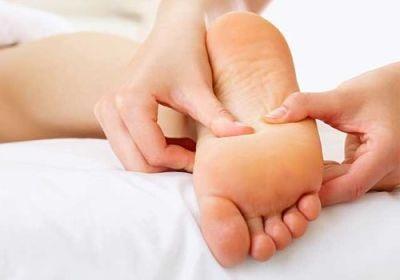 Swollen-Feet-During-Pregnancy2
