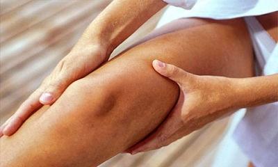 отекшее колено