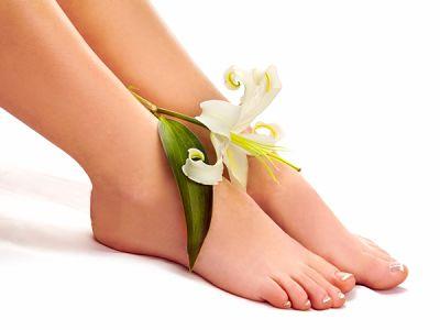 лилия на ногах